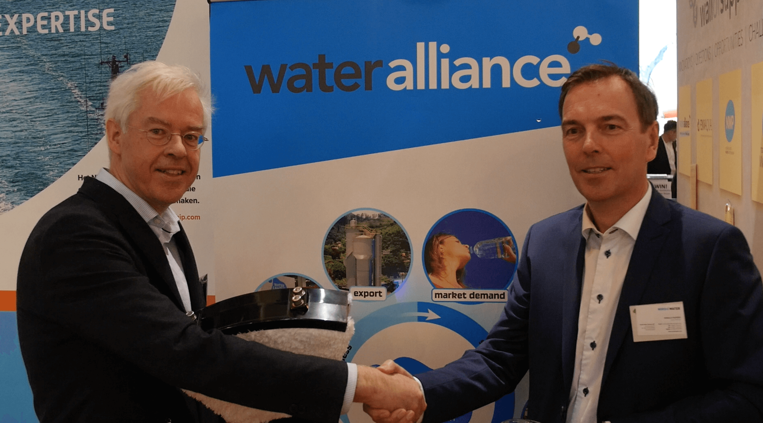 Handshake between CEO's BW Products and Nordic Water